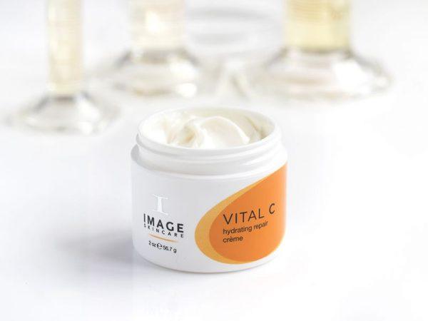 image-skincare-vitalc-hydrating-repair-creme_1_.jpg